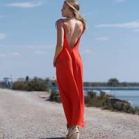 Notre robe Jeanne en rouille et son dos nu profond ❤️ ce modèle est vraiment parfait pour se sentir belle et être à l'aise, elle n'est pas moulante mais souligne et sublime le corps. Elle existe en rouge, noire et rouille. Bientôt nous vous la proposerons dans un autre tissu en vert amande et bleu turquin 🤗 à découvrir sur notre site www.poldine.fr à essayer bientôt chez @monamourmontpellier et les 5-6 juin avec notre @bandedecreateurs à Paris 😀  #robe #semimesure #madeinfrance  . . . . . #robedosnu #robelongue #glamour #sexy #chic #fabricationfrancaise #beauty #modele @ec4nning #photo #talent @clement_manes #boutiquemontpellier #event #paris #eshop #france #bordeaux #nice #marseille #toulouse #lyon #nancy #nantes #lille #annecy #espadrilles @escadrilleparis #bijoux @lesimpatientes