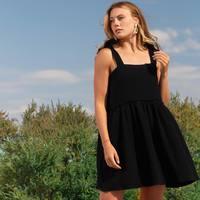 Notre robe Nae arrive demain sur l'eshop 🤗 on l'aime déjà beaucoup ! Une double gaze de coton #oekotex hyper douce ! La petite robe parfaite pour un été décomplexé ☀️  #nouveaute #robeboheme #madeinfrance #doublegaze  #semimesure #fabricationfrancaise #robe  . . . . . #robebabydoll #glamour #sexy #chic #beauty #modele #photo #talent #boutiquemontpellier #event #paris #eshop #france #bordeaux #nice #marseille #toulouse #lyon #nancy #nantes #lille